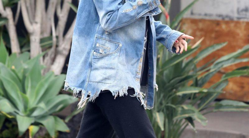 Selena Gomez Wore An Oversized Denim Jacket And Black Jogger Pants