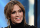 Of Course Jennifer Lopez's Beach Look Is Appropriately Extra