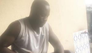 Nollywood Producer, Ikenna Best Pushes Wife Aside, Goes into kitchen