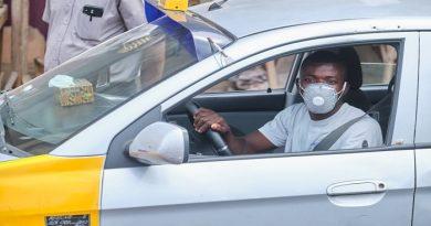 Yilo Krobo: Police Commander, Team Enforce Mandatory Face Mask Wearing On Taxi Drivers