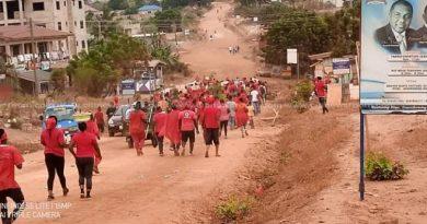 E/R: Adamrobe Residents Demonstrate Over Bad Roads