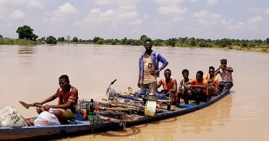 Canoe operators call for urgent assistance to cross stranded passengers