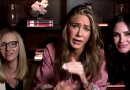 Jennifer Aniston Staged a Mini 'Friends' Emmy Reunion With Courteney Cox and Lisa Kudrow