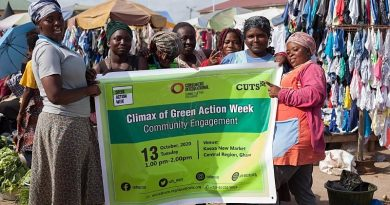 CUTS Sensitizes Market Women On Waste Reduction Measures