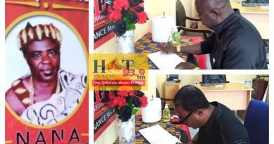 Hot FM Opens Book Of Condolence For Murdered Finance Manager