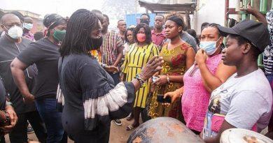 Naana Jane Visits Odawna Market After Fire Outbreak