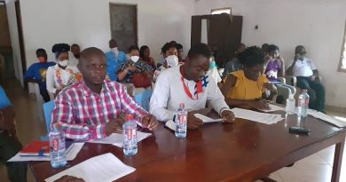 Aggrieved teachers endorse Mahama to come and pay salary arrears owed them