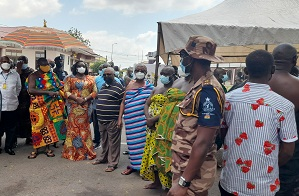 Asantehene accompanied by wife to vote at Manhyia Palace