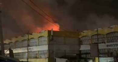 Fire destroys 12 fabric shops at Kaneshie