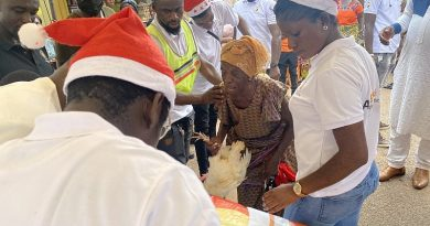 Free Chicken And Rice! Christmas Charity For Hundreds Of Needy Widows