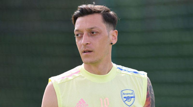 Arsenal's Ozil saga ends as he joins Fenerbahce