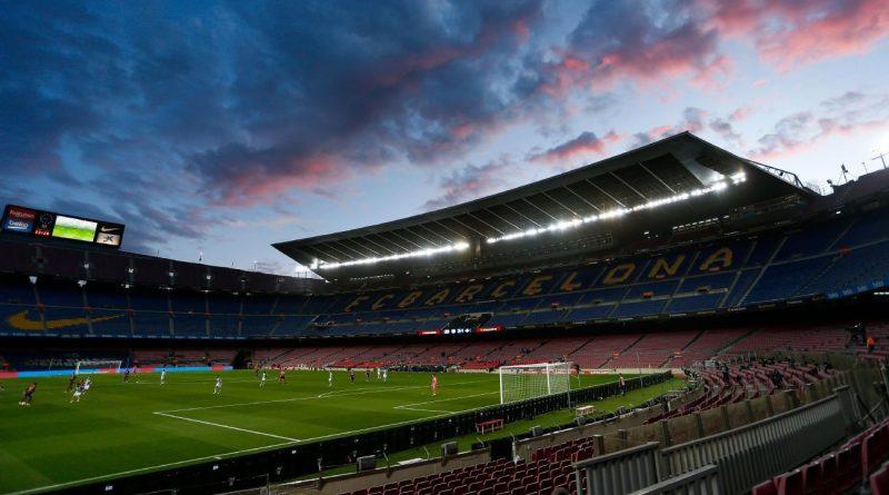 Barca tops list but big clubs' revenue drops €2b