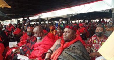 Check the dignitaries at Rawlings' funeral