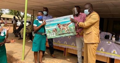 Dr. Amin Anta awards health workers at Karaga District Hospital