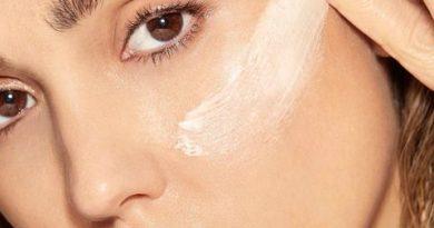 Jessica Alba on Skincare, TikTok, and Running Honest Beauty From Home