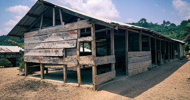 W/R: Community calls on authorities to fix their school building in Brayere Agya