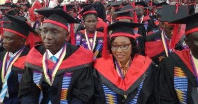 377 students receive 500k Scholarship grants from UCC