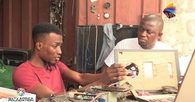 VIDEO: JHS Graduate builds home theaters and converts computer monitorsinto television