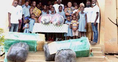 E/R: Nana Adoma Kyirekuaa I donates Maternal Department Of Asokore Community Clinic other