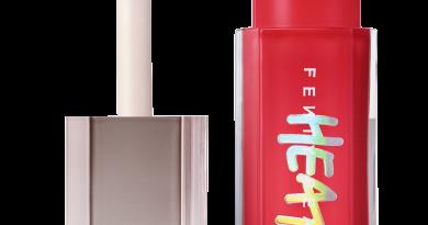 Rihanna's New Plumping Fenty Beauty Gloss Bomb Has Arrived